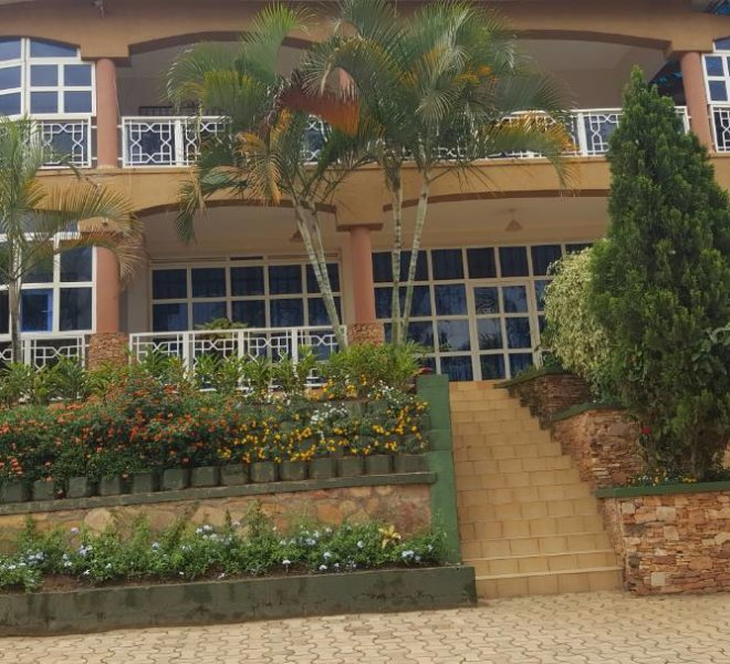 Fully Furnished House In Buziga With 4 Bedrooms For Rent At Usd 2200