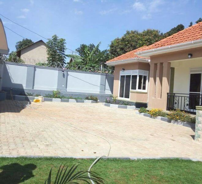 house for sale in kira with 4 bedrooms