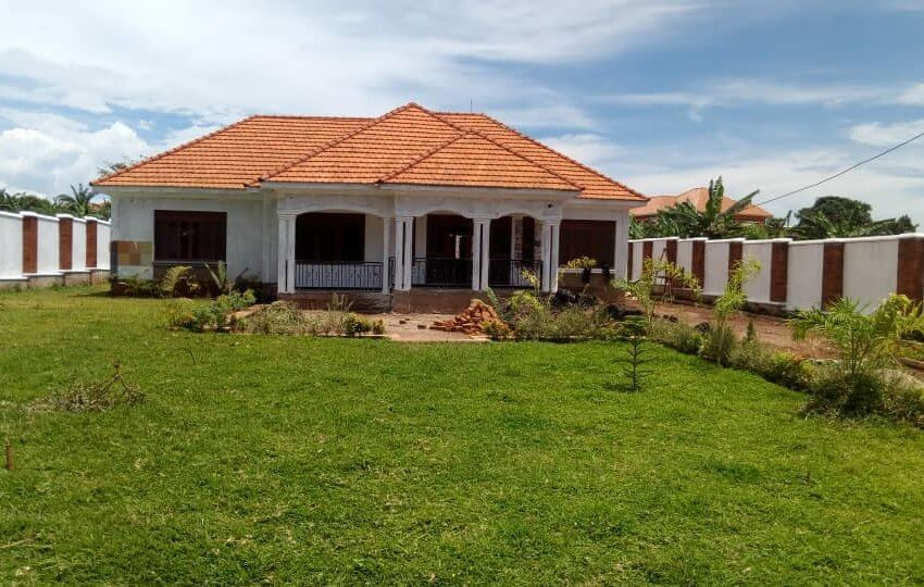 House for sale off Entebbe Road