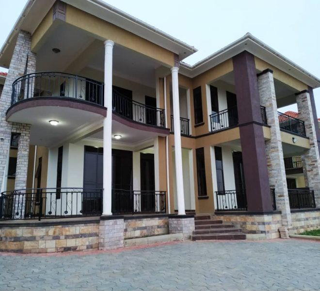 5 Bedroom House for Sale in Kira 1