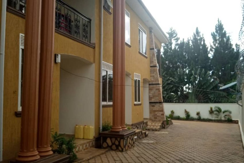 5 housing units for sale in kira wakiso2