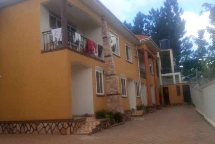 5 housing units for sale in kira wakiso4