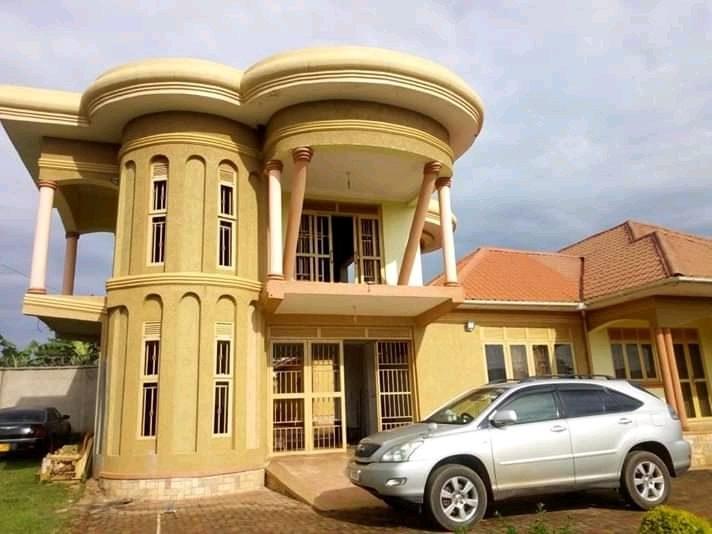 6 Bedroom house for sale in gayaza busiika