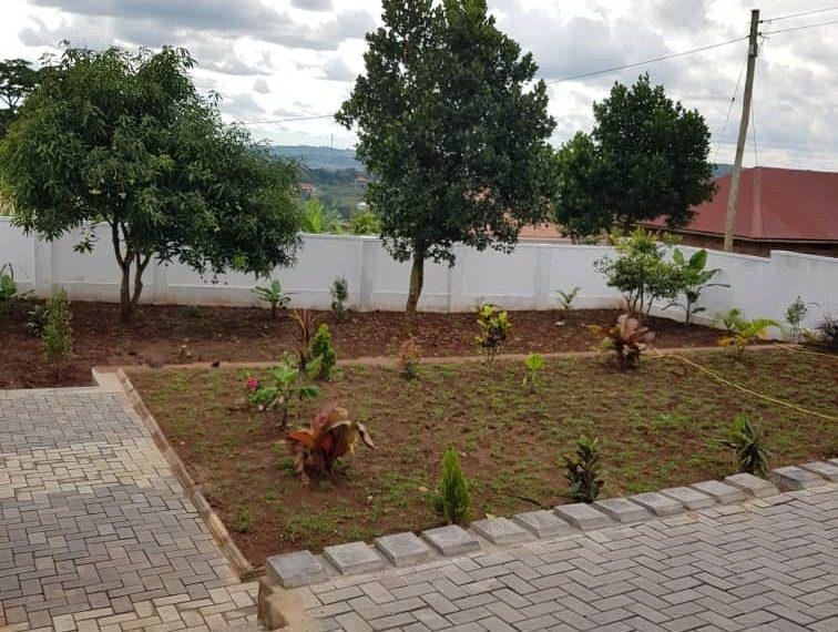 house uganda