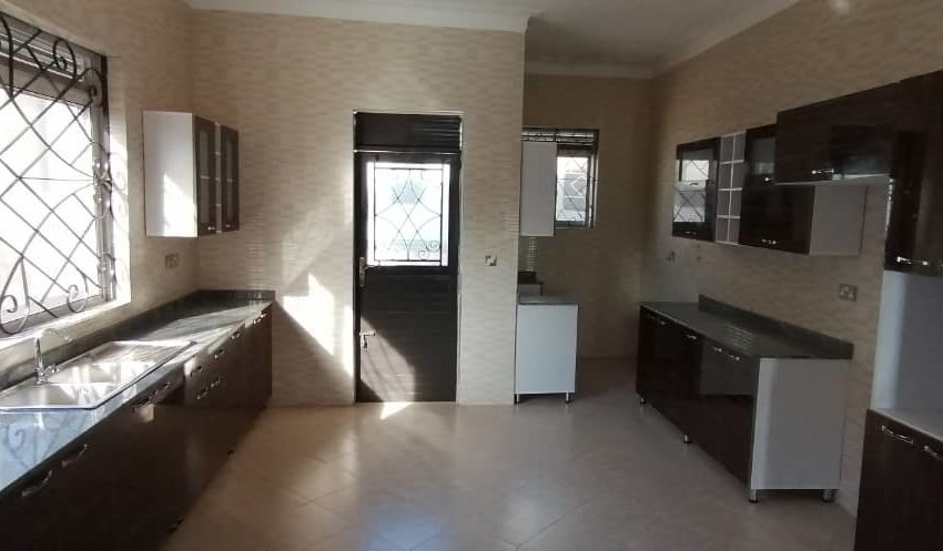 Entebbe Road Bwebajja House for Sale 2