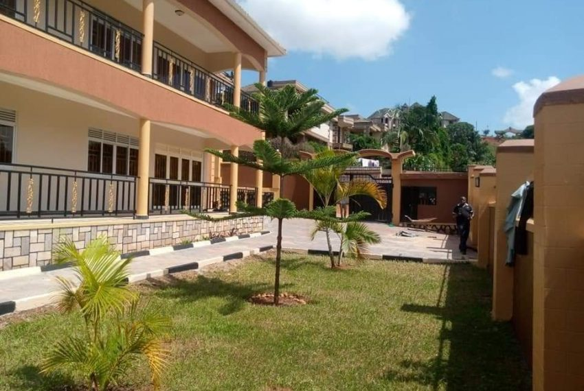 Bwebajja Entebbe Road House for sale 10