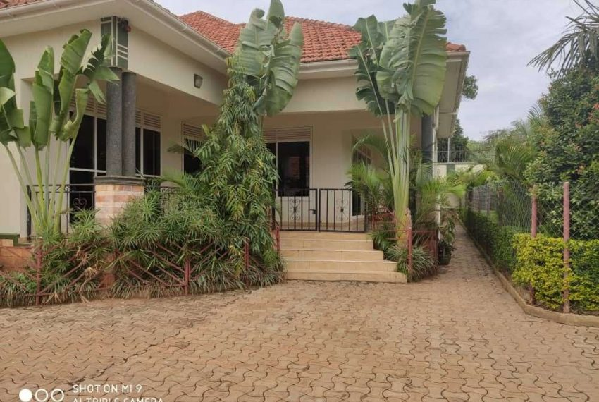 House for sale in Kiwatule Kampala 2