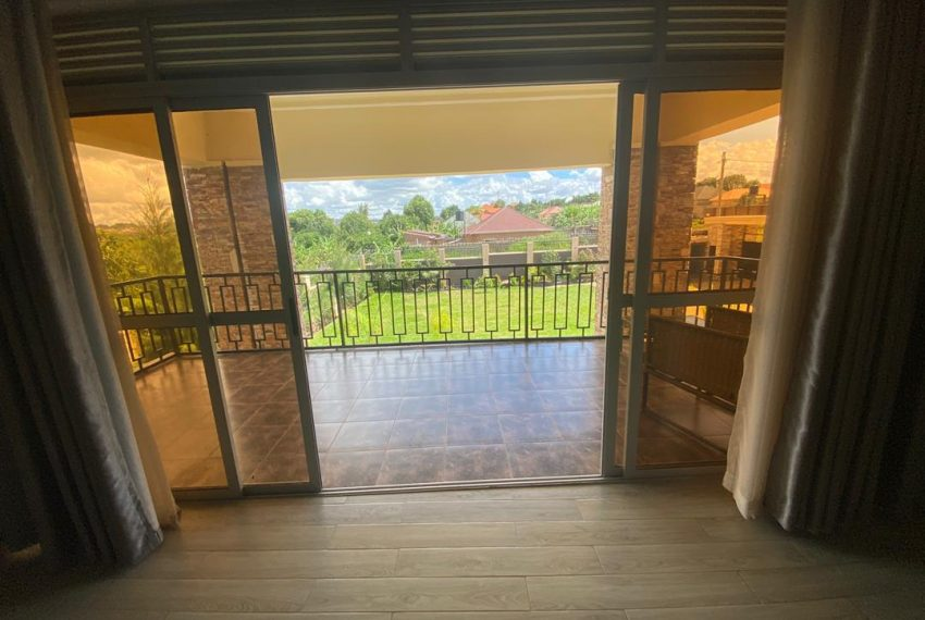 Nice Home for Sale in Kitende Entebbe Road 2