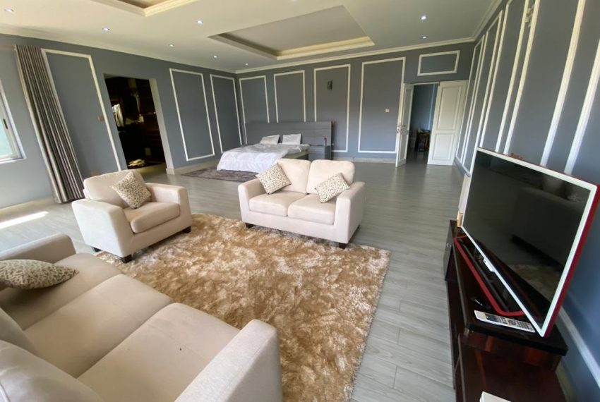 Nice Home for Sale in Kitende Entebbe Road 4