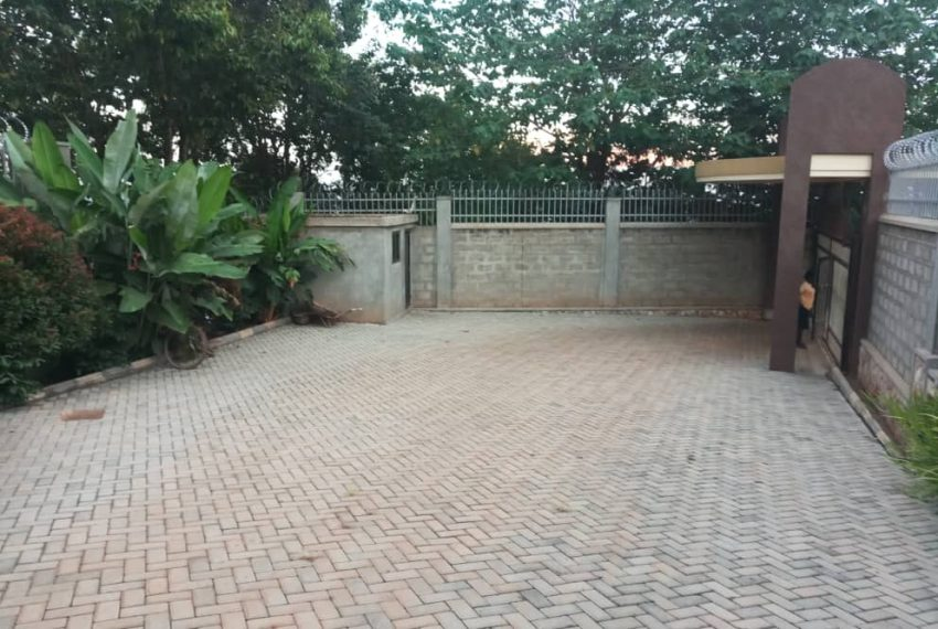 Posh House for Sale in Lubowa Entebbe road 2