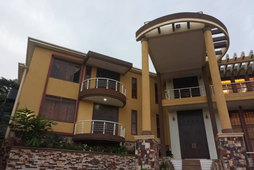 Posh House for Sale in Lubowa Entebbe road 5