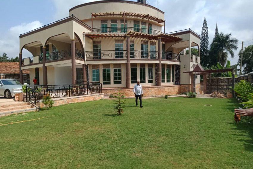 Bunga Kawuku House for Sale 13