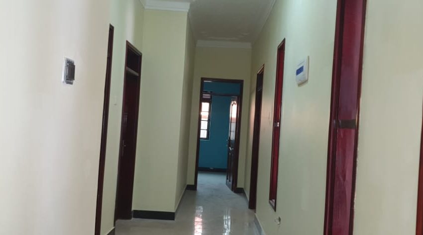 House for Sale in Kitende Entebbe Road 2