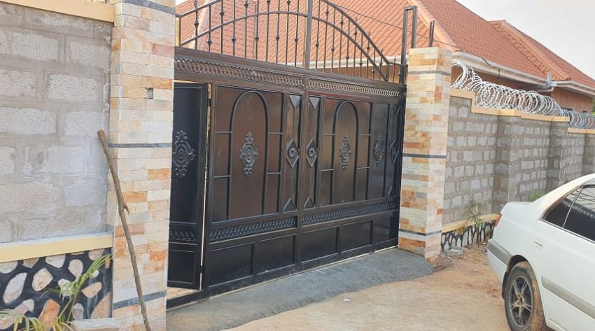 House for Sale in Kitende Entebbe Road 5