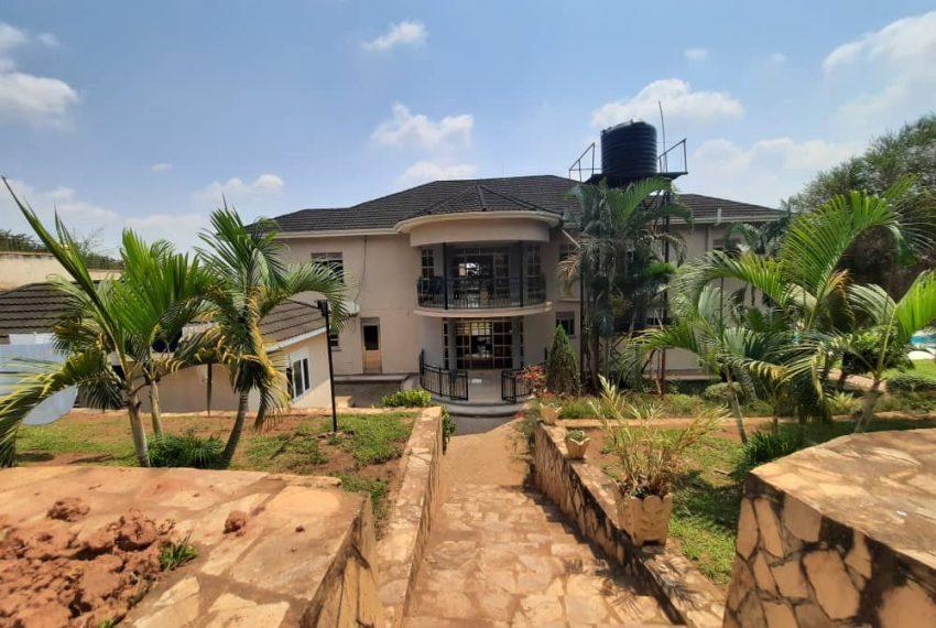 Posh Home for Sale in Mutundwe Kampala Uganda