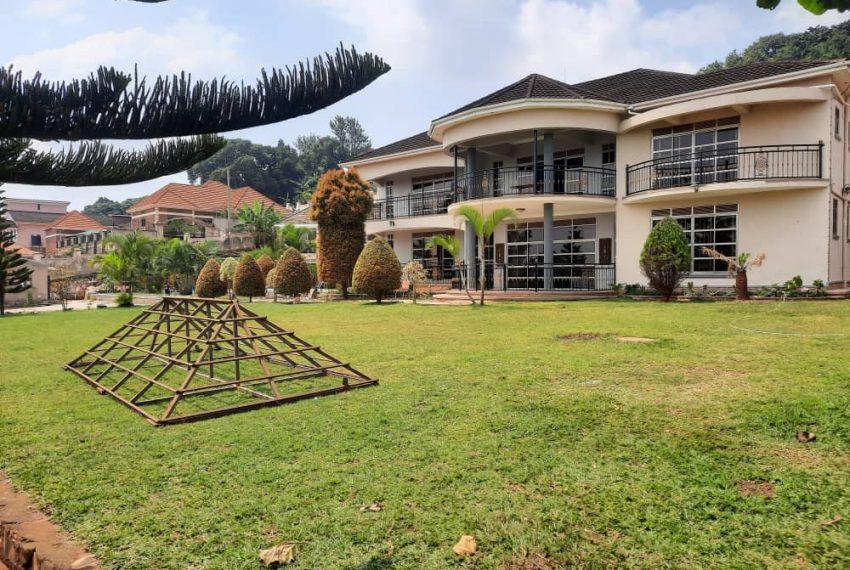Posh Home for Sale in Mutundwe Kampala Uganda 2