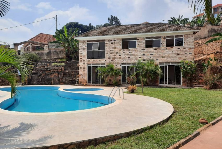 Posh Home for Sale in Mutundwe Kampala Uganda 6