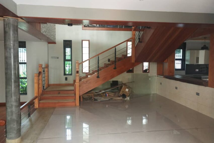Akright House for Sale 3