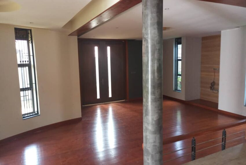 Akright House for Sale 4