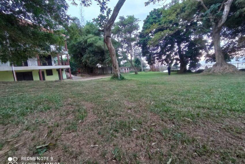 Lakeside Home for Sale in Bugiri Entebbe Road 8