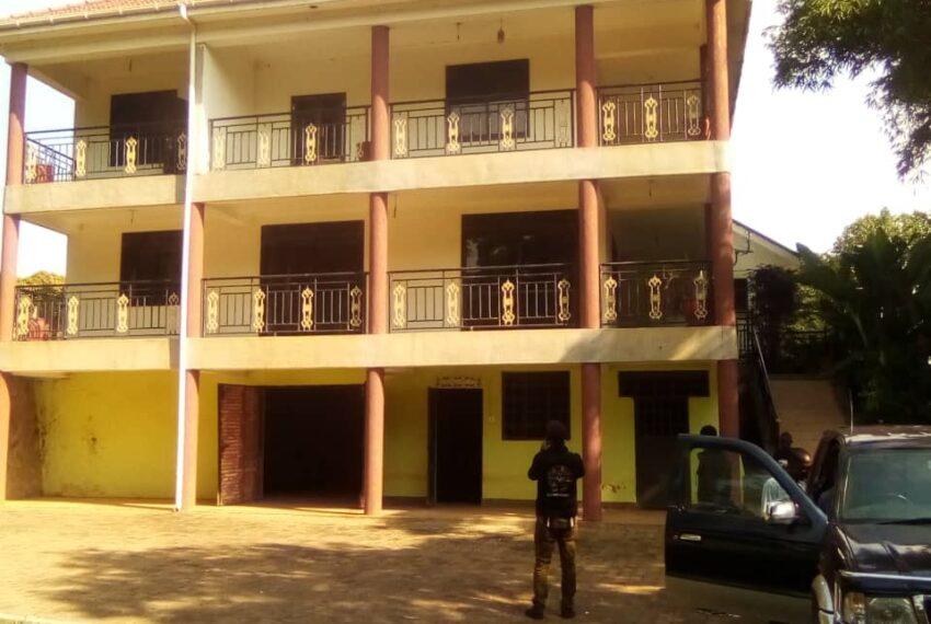 Lakeside Home for Sale in Bugiri Entebbe Road