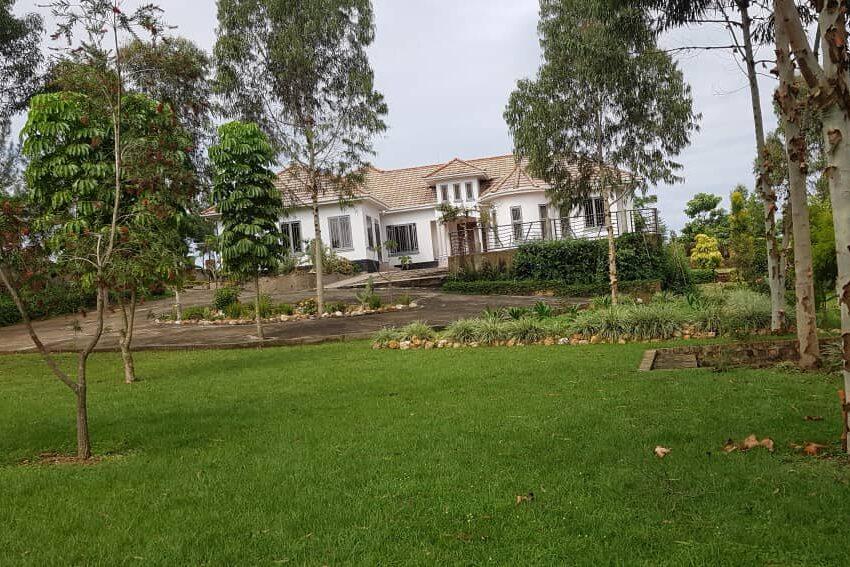 Mansion for Sale in Kakiri Gobero Wakiso 1