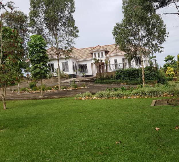 Mansion-for-Sale-in-Kakiri-Gobero-Wakiso