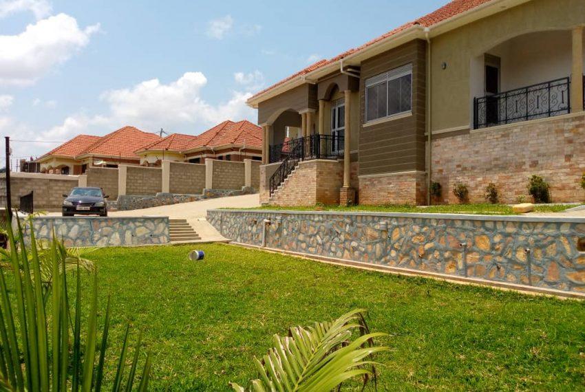 House in Kira Bulindo for Sale 2