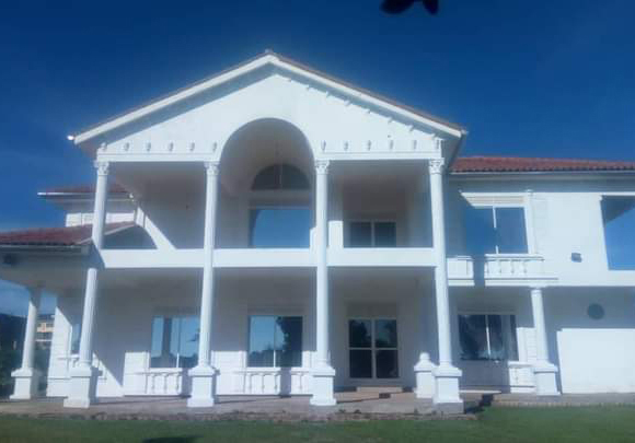 Lakeside-Mansion-for-Sale-in-Nalugala-Entebbe-Road-10