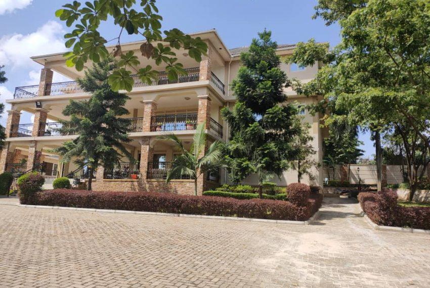 Mansion for sale in Bunga Kalungu Kampala
