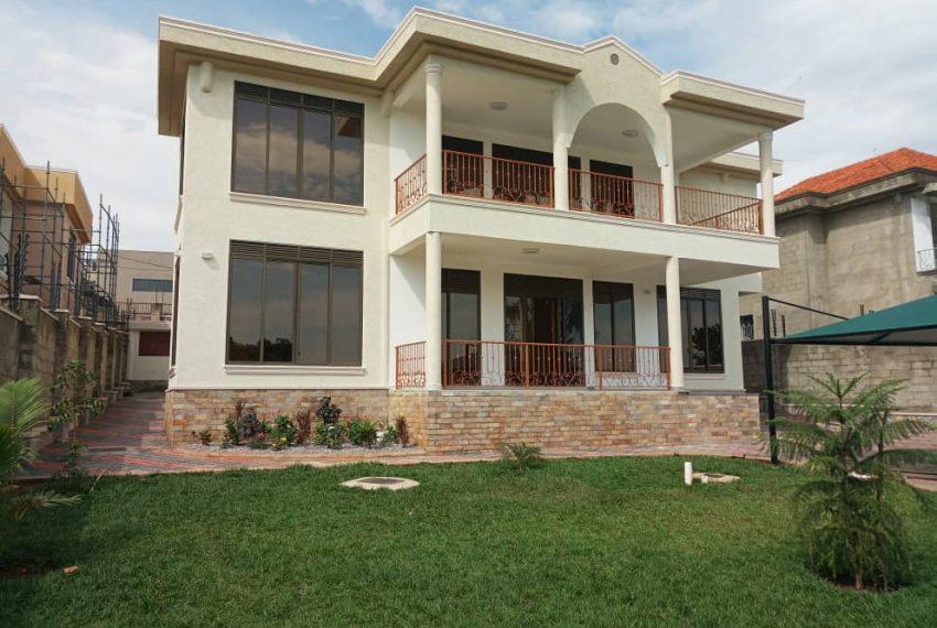 Nice House for sale in Munyonyo Kampala 2
