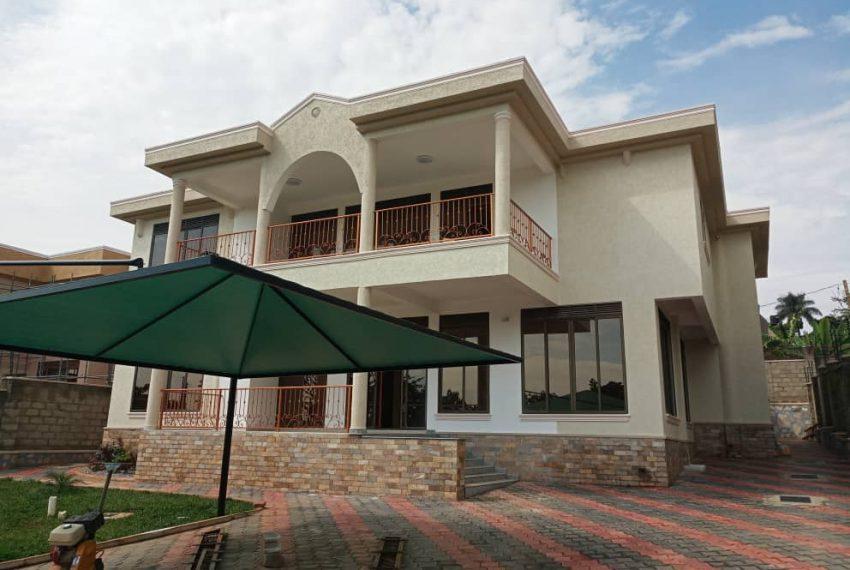 Nice House for sale in Munyonyo Kampala 3